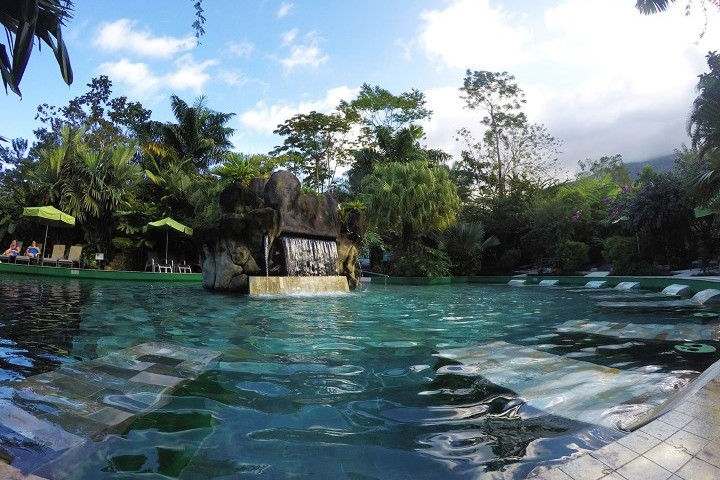 arenal paradise hot springs 04