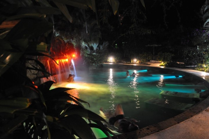 arenal paradise hot springs 09